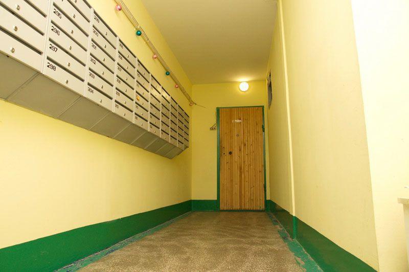 Подсветка лестничных клеток может выполняться с минимальными затратами