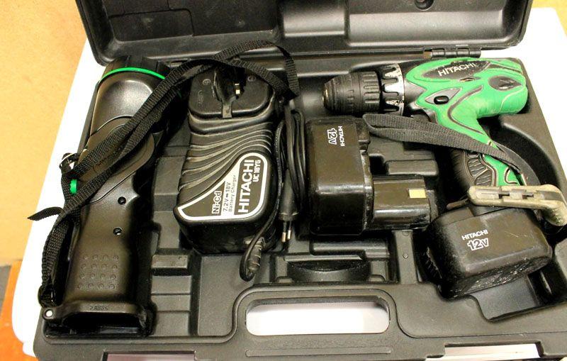 Кейс для хранения и транспортировки, шуруповёрт с АКБ, подсветка, запасной аккумулятор и зарядное устройство – всё это должно быть в каждой комплектации