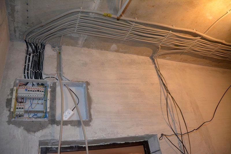 Проведение электромонтажных работ в квартире рекомендуется поручить опытным специалистам