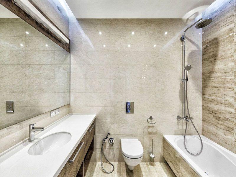 Светлые тона делают помещение визуально больше, что особенно важно для ванных комнат
