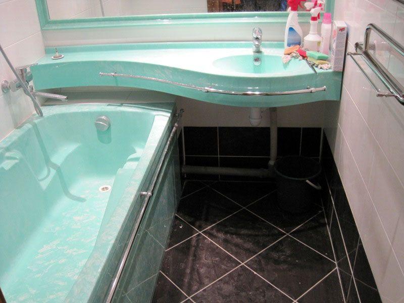Такая раковина − хорошее решение для небольших ванных комнат
