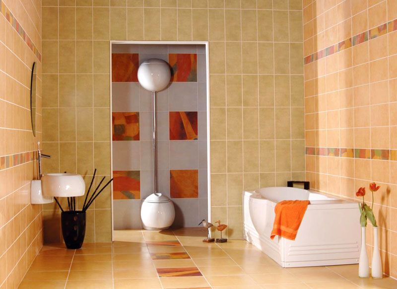 Вертикальная узкая кафельная плитка визуально приподнимает потолок