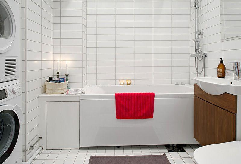 Горизонтальную узкую плитку можно использовать только в помещениях с высоким потолком