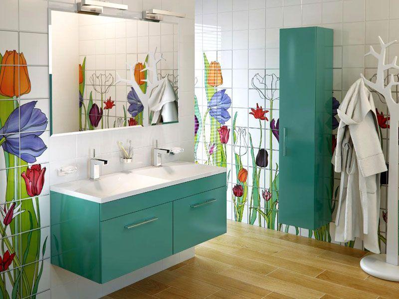 Если в ванной комнате тёплые полы, то лучше использовать настенный вариант мебели