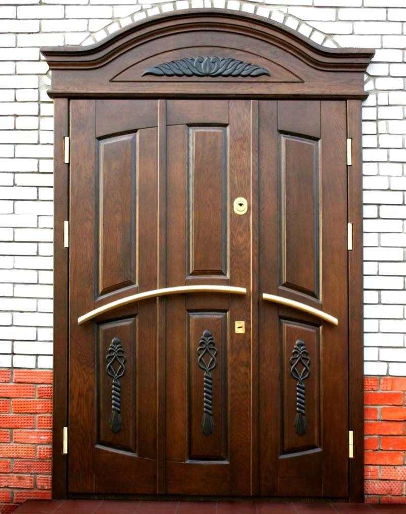 Вариант обшивки металлической двери натуральными древесными панелями