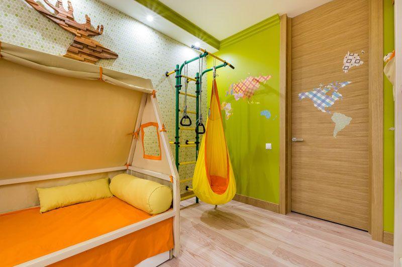 Даже для небольшой комнаты можно подобрать компактный функциональный тренажёр