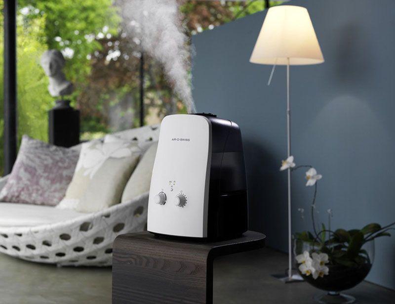 Увлажнитель воздуха − самый распространённый способ для нормализации микроклимата в помещении