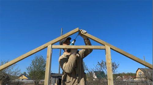 Парник для огурцов своими руками: фото готовых теплиц и основные этапы возведения конструкции