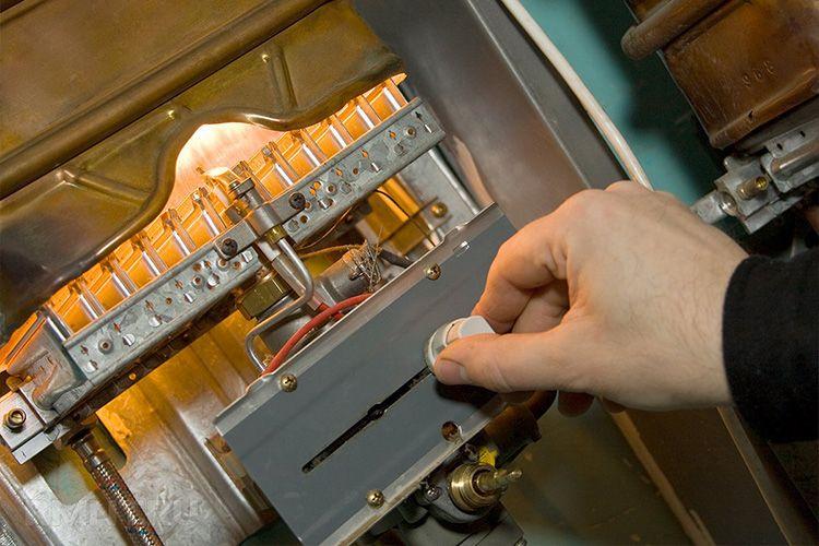 Поджиг газовой горелки может осуществляться по-разному