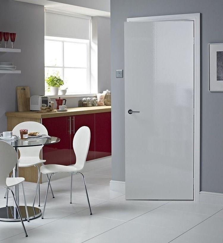 Купить белые межкомнатные глянцевые двери – хорошее решение для современных интерьеров