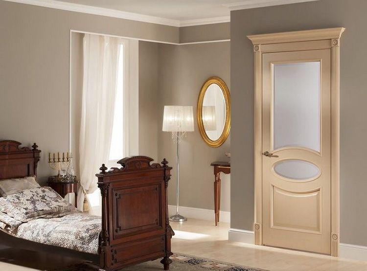 Патинированные межкомнатные двери со стеклом