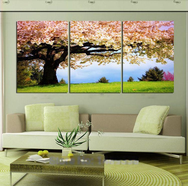 Модульные картины – хороший способ украсить интерьер квартиры или дома
