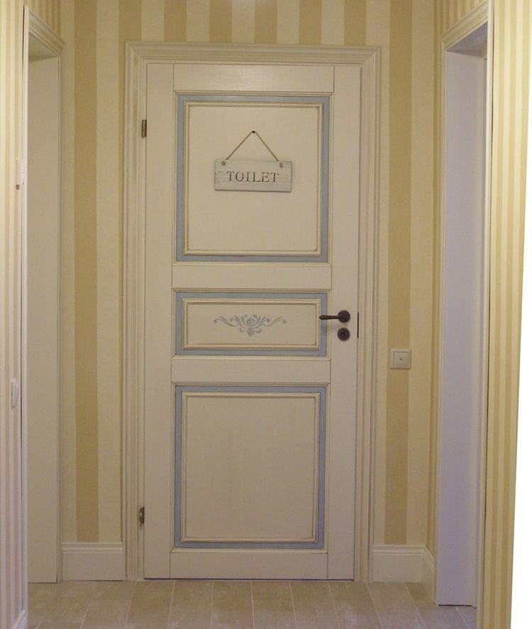 Декорированные белые дверные полотна в стиле прованс