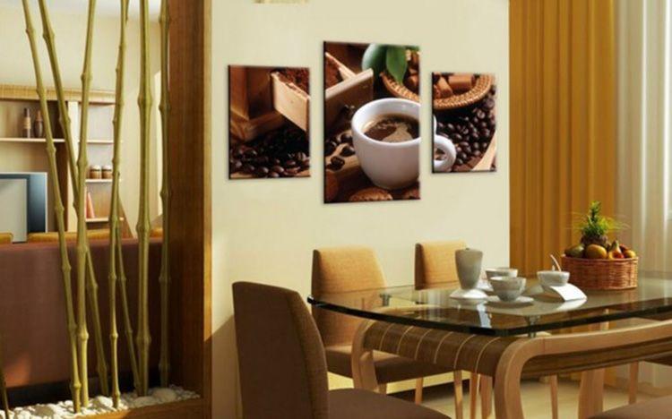 Возле такой картины приятно выпить чашечку кофе