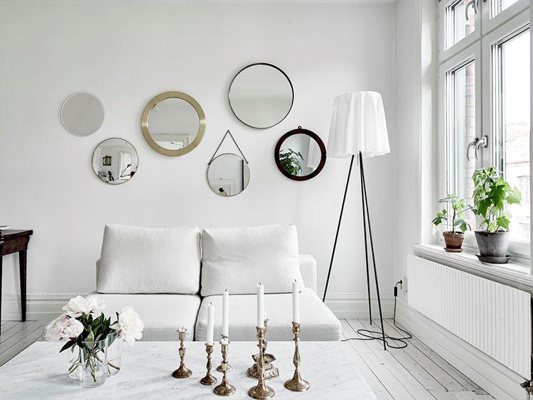 Вариант, когда зеркала выполняют практическую и декоративную функцию