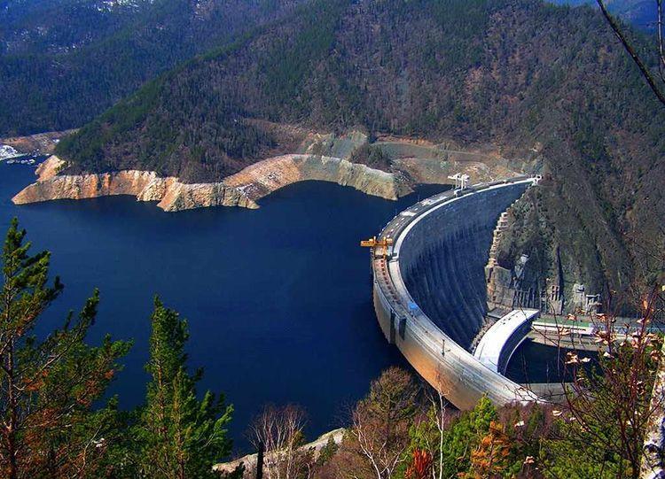 Один из первых освоенных человеком видов АИЭ – гидроэлектростанции