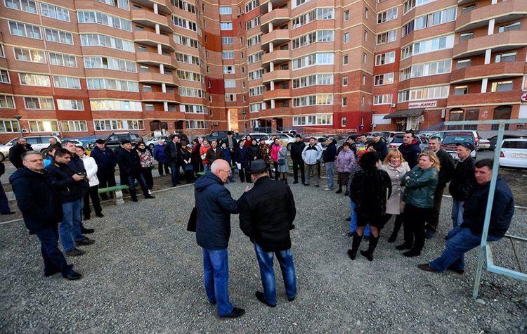 Собственники квартир могут создавать ТСЖ для эффективного управления своим домом, тогда как владельцы апартаментов лишены этого права