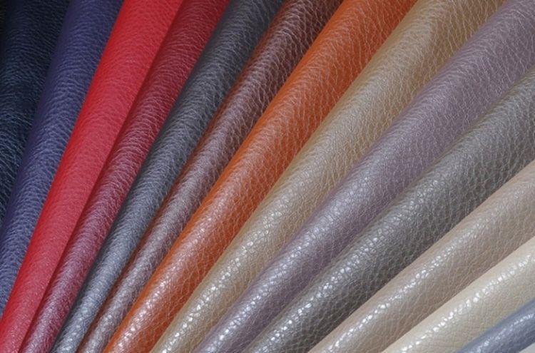 Производители предлагают огромный ассортимент кожзаменителя для обивки мягкой мебели