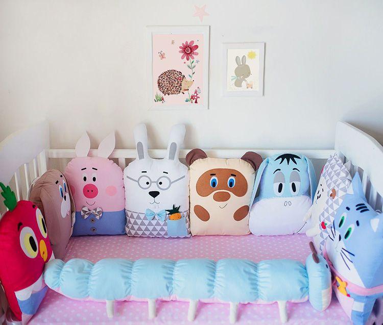Как вам такое соседство? Ребёнок получает не только безопасное спальное место, но и целую компанию друзей для игр