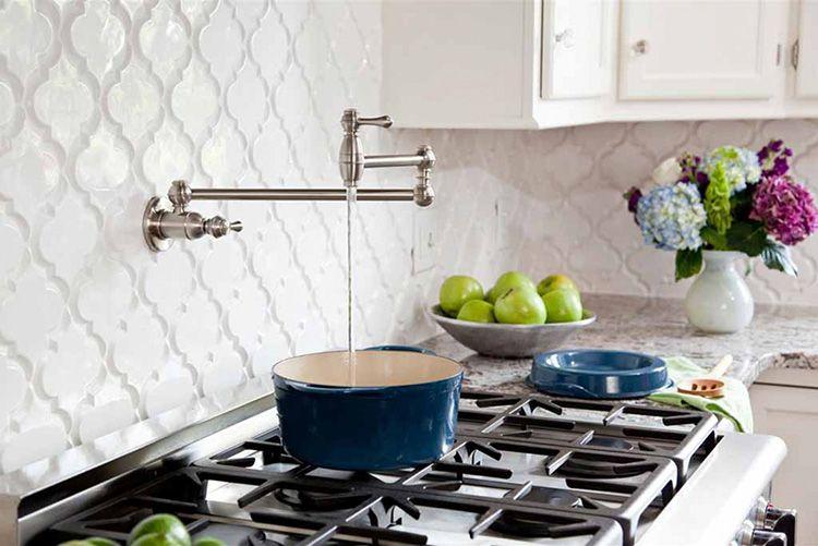 Изделия оригинальной формы станут украшением даже самой обычной кухни