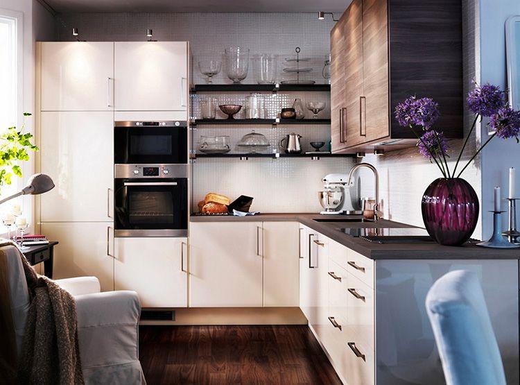 Фото угловой кухни на 9 м²