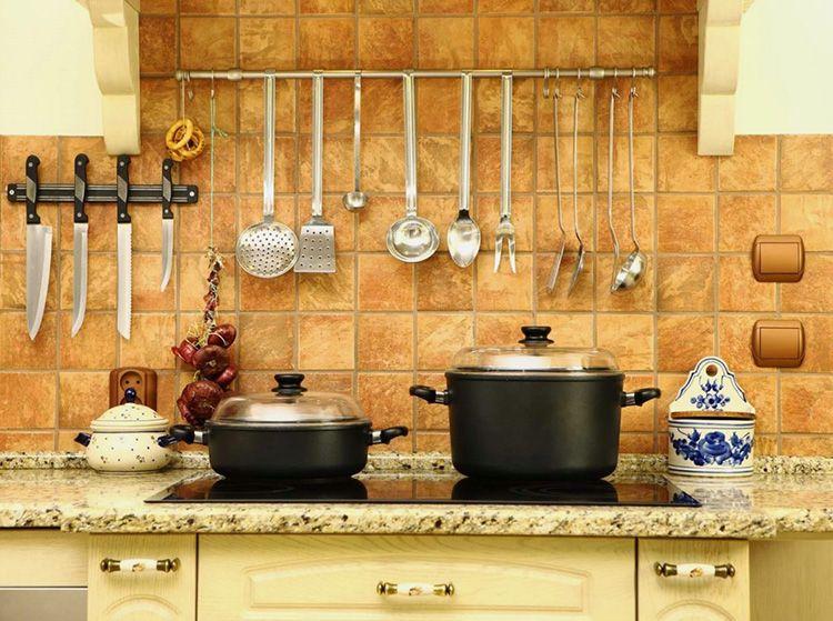 Такая отделка создаёт тёплую и уютную атмосферу на кухне