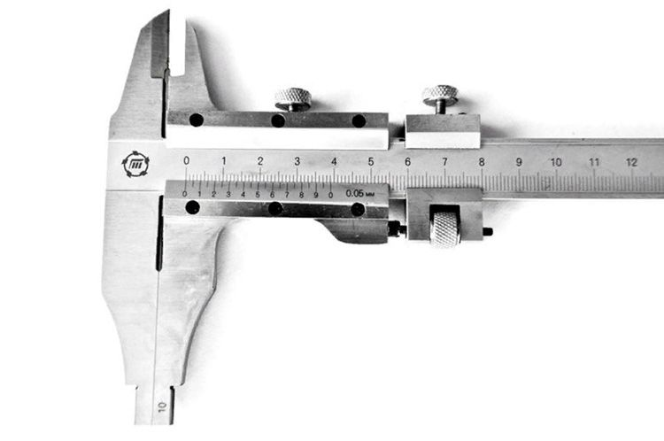 Шкала деления у нониусного штангенциркуля − обычно 1 мм