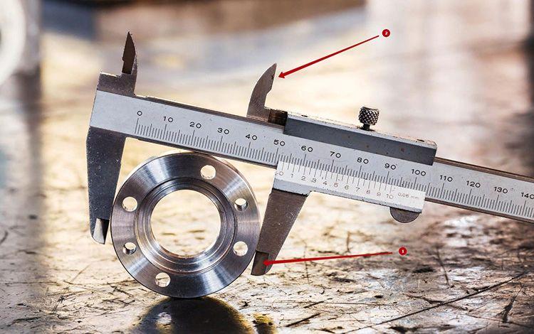 Прибор позволяет измерить как внутренний диаметр – 2, так и внешние размеры изделия – 1