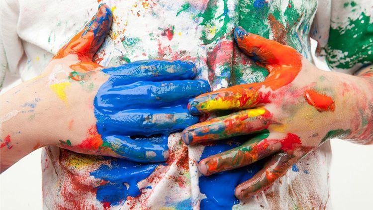 Пятна краски предполагают использование специальных средств