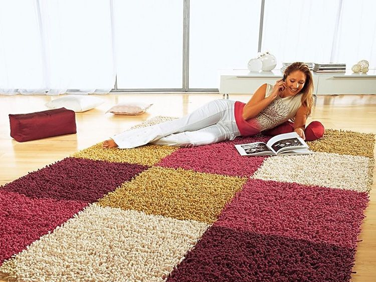 Характеристики ковра влияют на способ чистки в домашних условиях