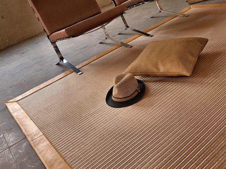 Для изделий из сизаля в домашних условиях предпочтительна сухая чистка