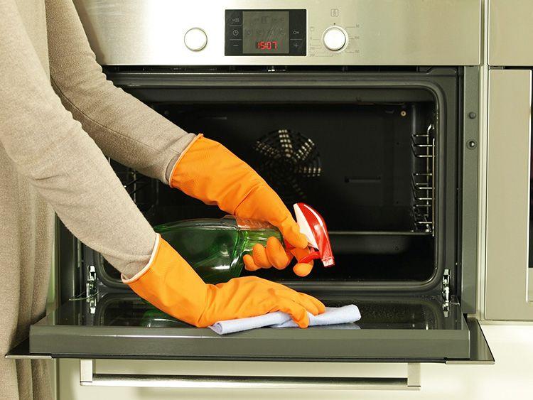 Своевременный уход обеспечивает чистоту плиты