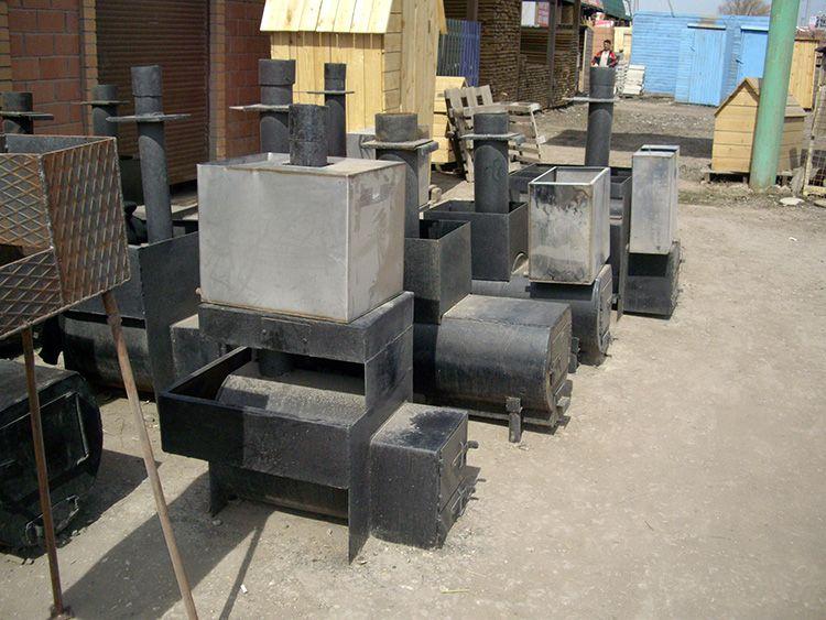 Металлическая печь может иметь различный размер и конструкцию