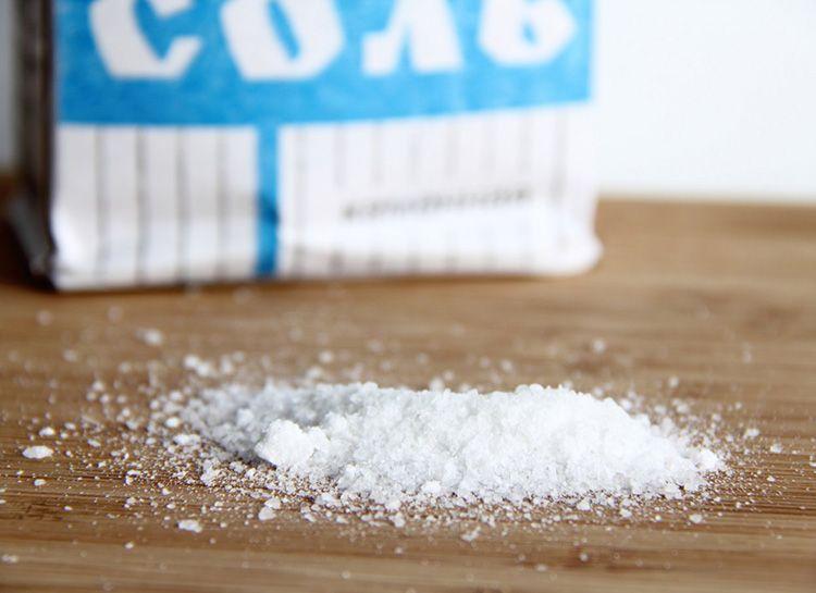 Каменная соль удалит нагар