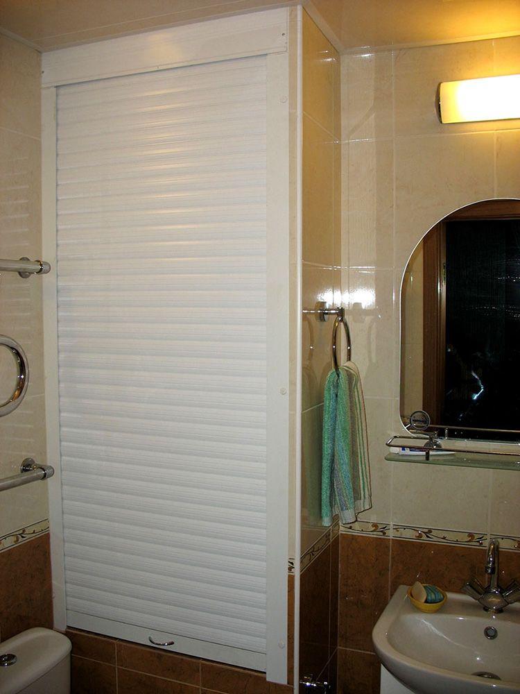 Рольставни – прекрасный способ скрыть все инженерные коммуникации в туалете