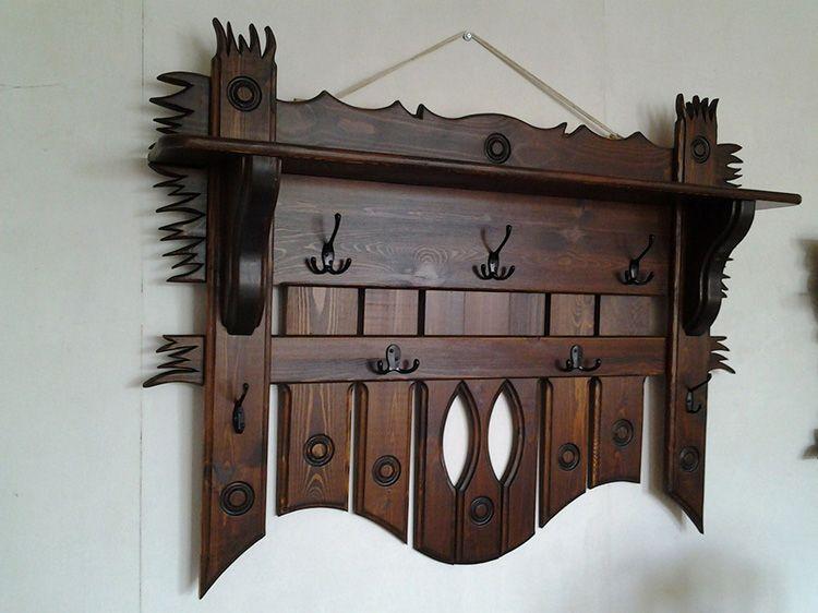 Деревянная вешалка настенная