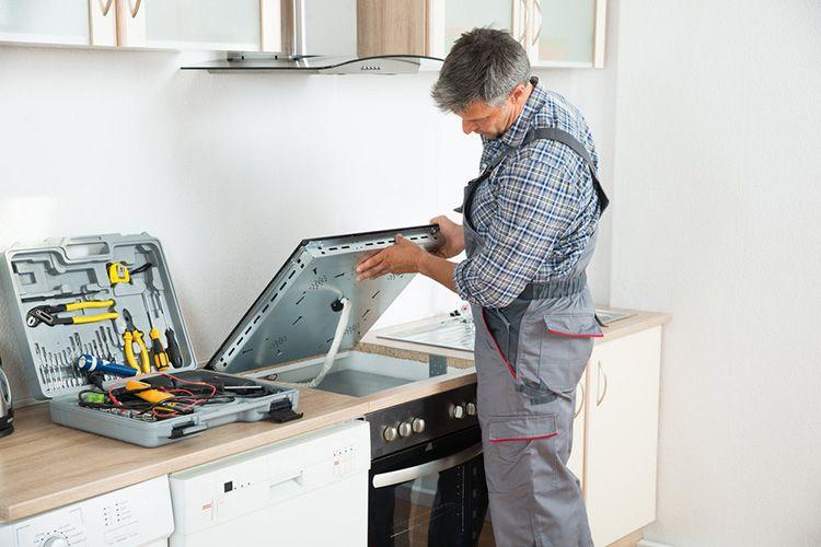 Подключение варочной панели специалистом избавит вас от проблем с гарантийным ремонтом