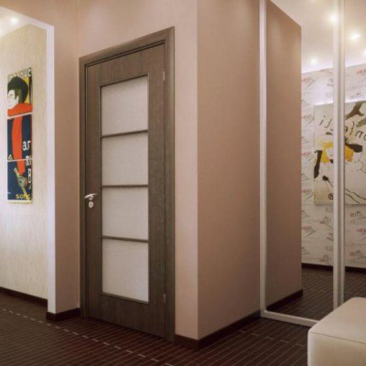Материал двери непосредственно влияет на её характеристики