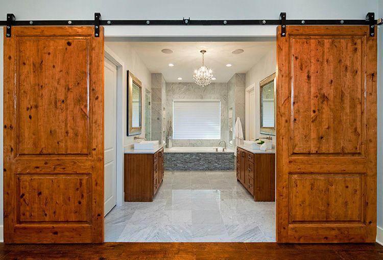 Откатные двери из массива дерева в ванную комнату