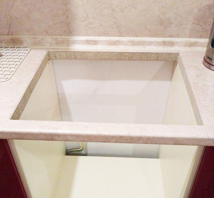 После того как вырез сделан, поверхность спила рекомендуется хорошо обработать герметиком, чтобы столешница не разбухла от возможного попадания влаги