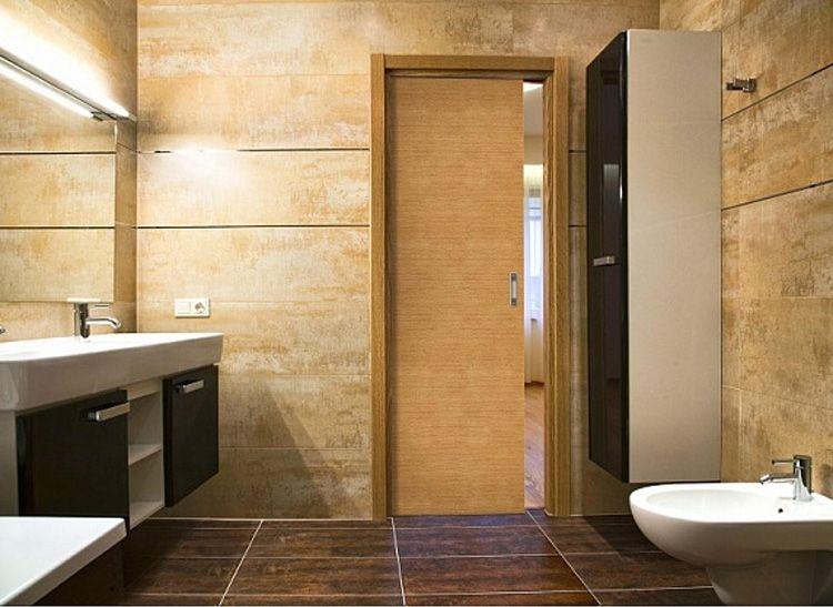 Дверь-купе из ЛДСП в интерьере ванной комнаты