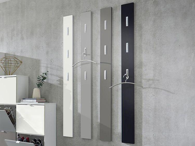 Вертикальная вешалка из отдельных широких ламелей