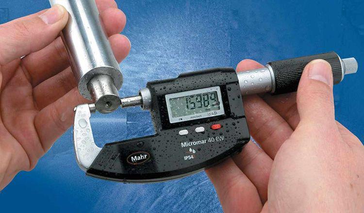 Микрометр − идеальный прибор для измерений окружности деталей. Некоторым моделям для этого не помещает даже дождь