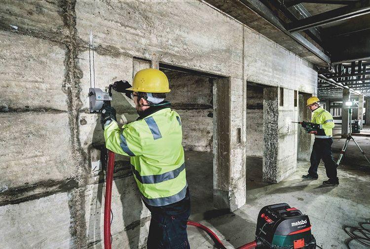 Штроборез по бетону – специальный электроинструмент, который в разы ускоряет процесс прокладки коммуникаций внутри помещений