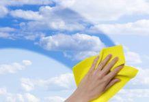 Как помыть окна быстро и без разводов: профессиональные и народные средства, помогающие хозяйкам