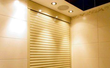 Рольставни в туалет – современный вариант маскировки инженерных коммуникаций