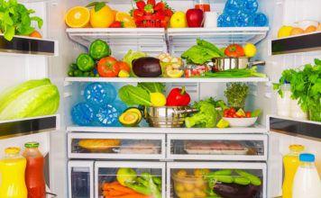 Чем помыть холодильник внутри, чтобы уничтожить запах: самые действенные способы