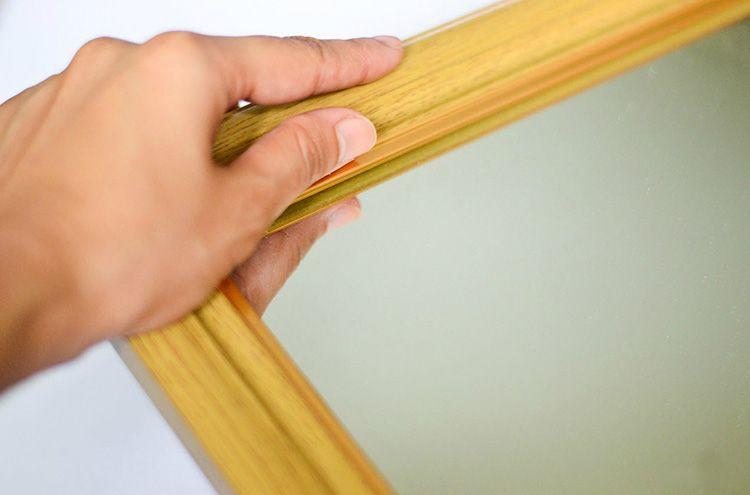 В работе можно использовать готовые рамы, или стандартные мебельные щиты.