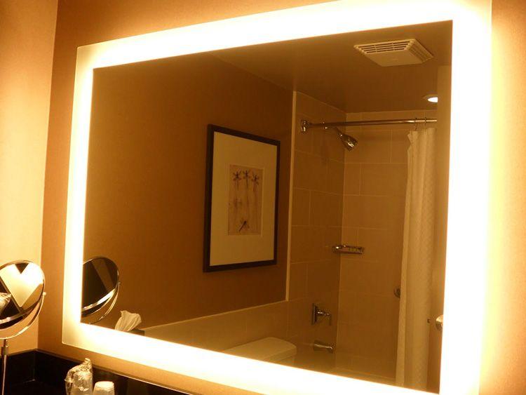 Если раньше лампочки вкручивались в цоколь, то современные модели снабжены более мягкой светодиодной подсветкой.