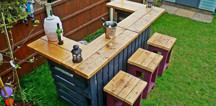 Чтобы в процессе эксплуатации мебели из поддонов не загнать занозу, нужно хорошо обработать древесину
